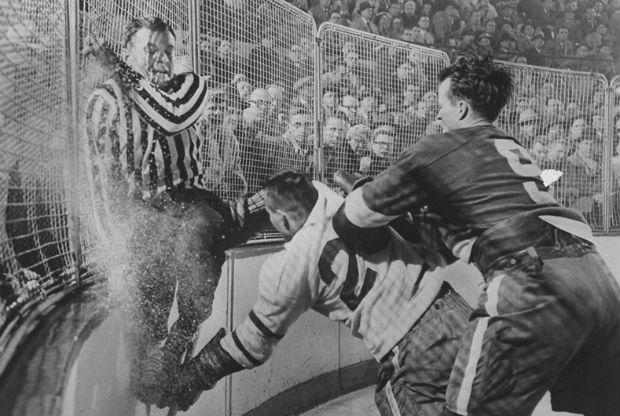 скачать игру Old Time Hockey - фото 5